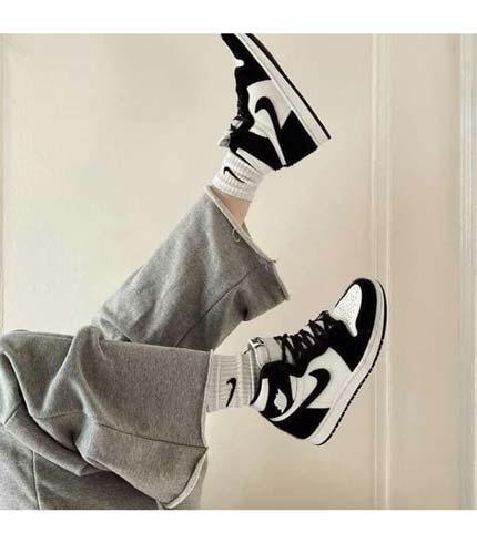 Air Jordan 1 - Black
