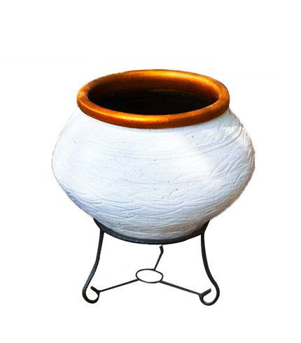Traditional Flowerpot with Metal Stand