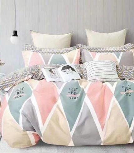 Pink Design Queensize/Double Bedsheet Set